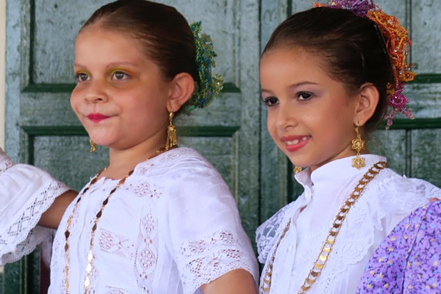 Young performers in Panama